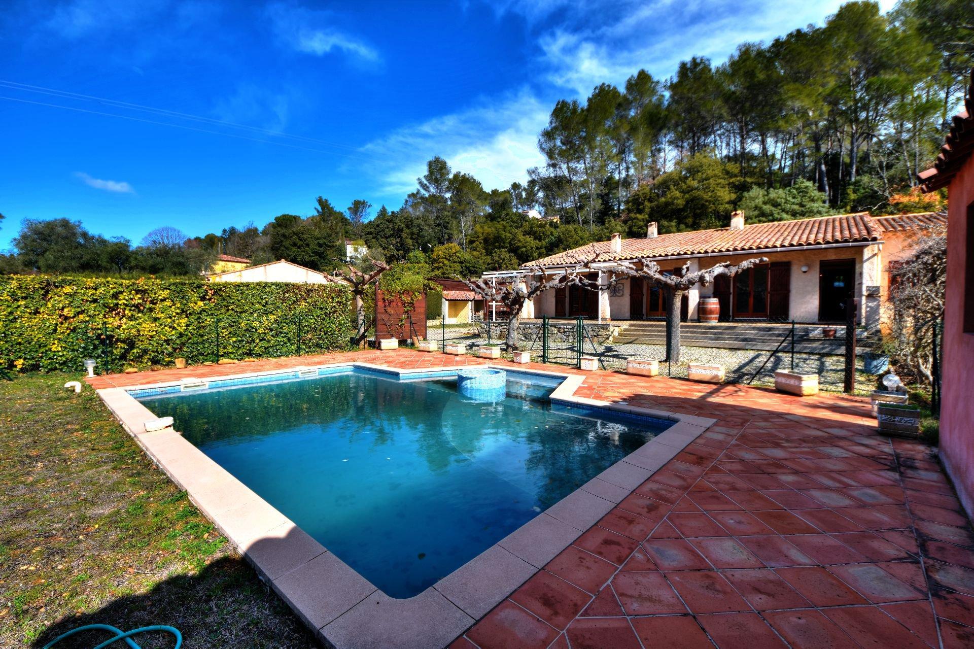 Villa 3 ch, garage, piscine, Lorgues, Var, Provence
