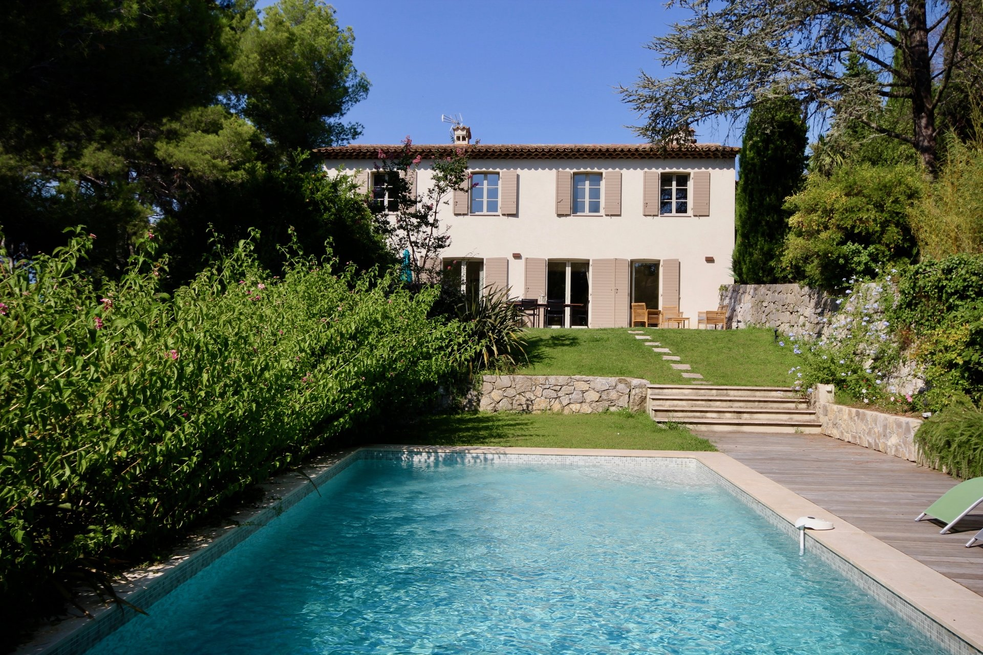 Near Mougins village and shops