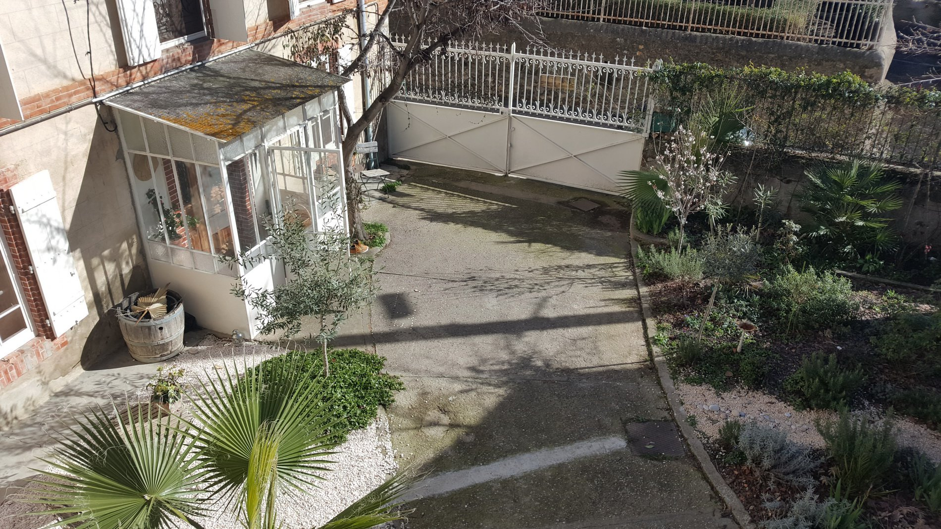 Superb house with garden and a great potential