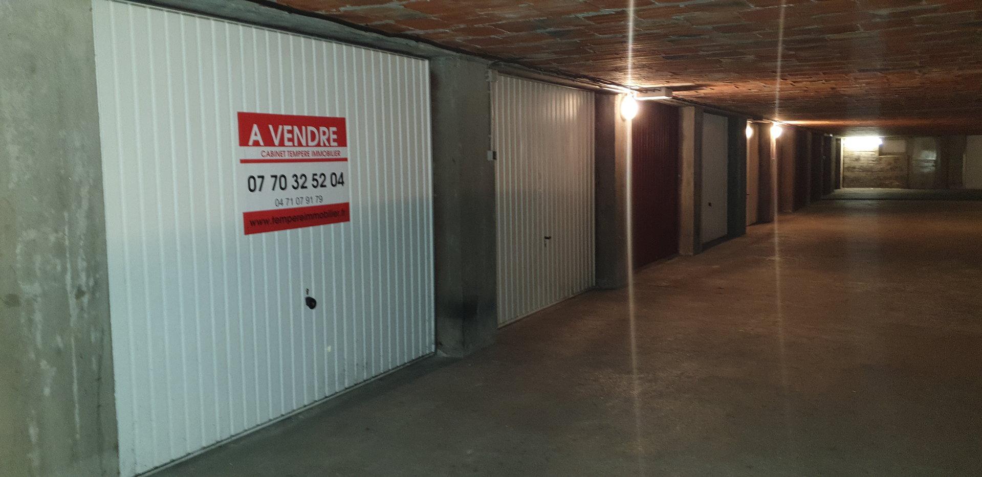 Sale Carpark - Le Puy-en-Velay