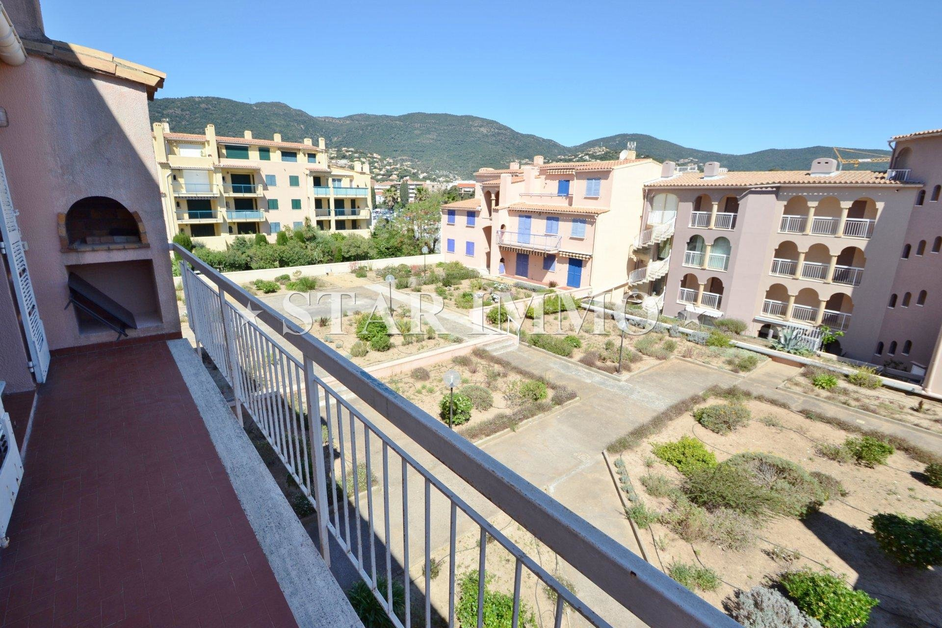 Sale Apartment - Cavalaire-sur-Mer