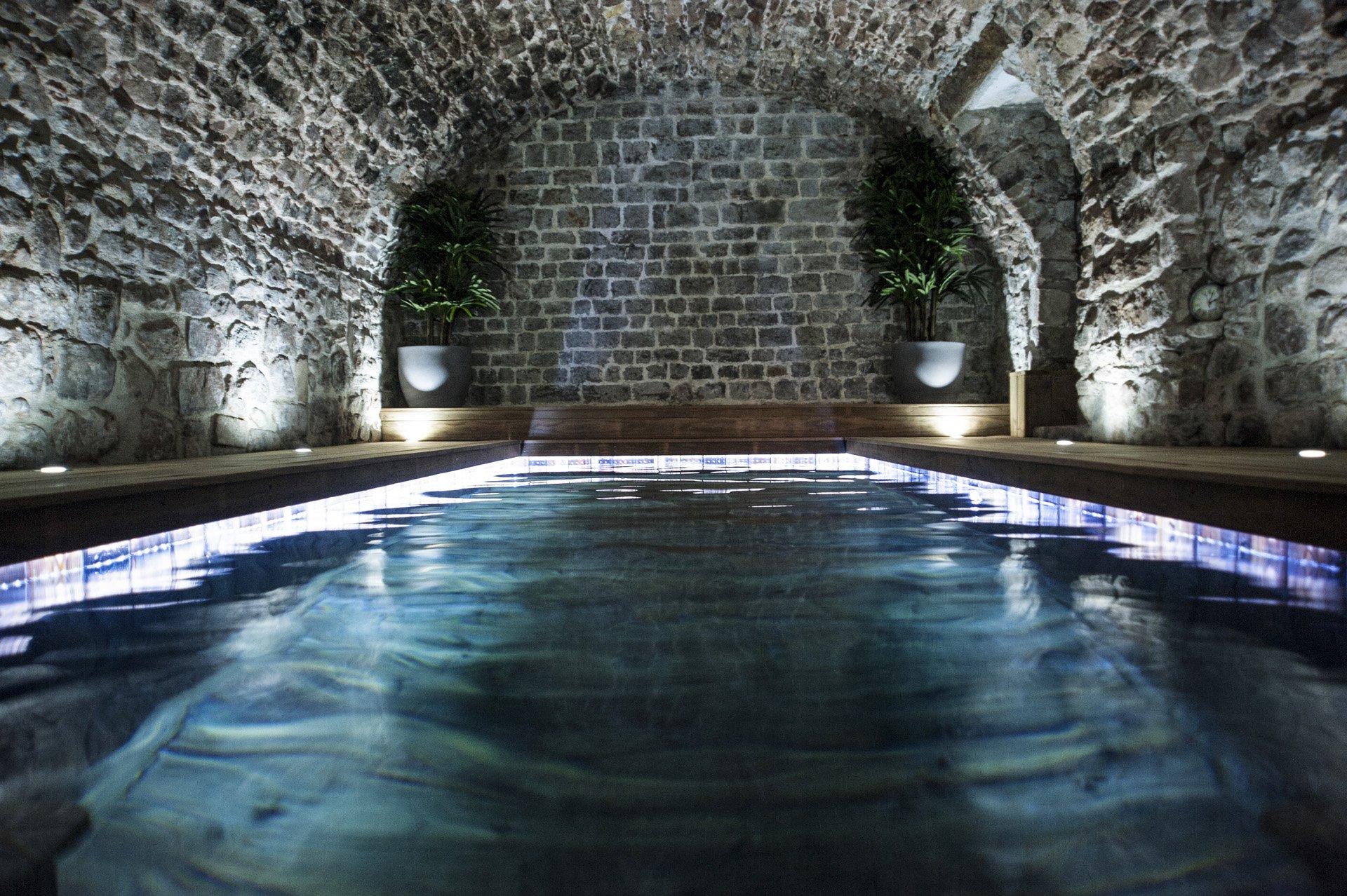 piscine intérieure Bastide 18 ième siècle 750 m², sur 2 ha chambres d'hôtes, le luc, var, provence