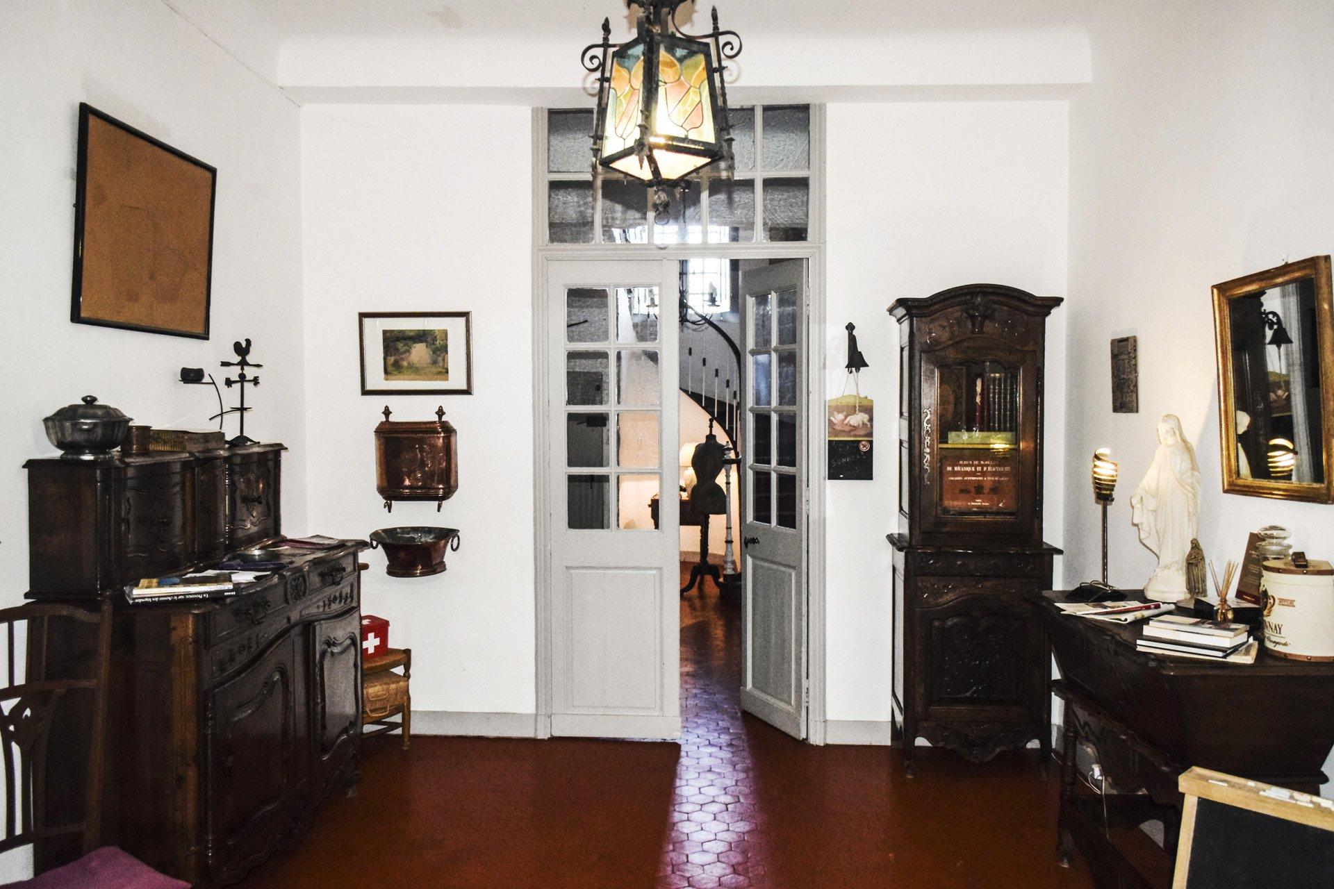 entrée Bastide 18 ième siècle 750 m², sur 2 ha chambres d'hôtes, le luc, var, provence