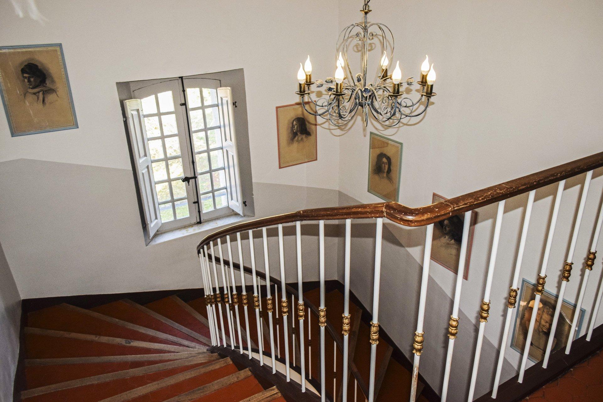 escalier chambres Bastide 18 ième siècle 750 m², sur 2 ha chambres d'hôtes, le luc, var, provence