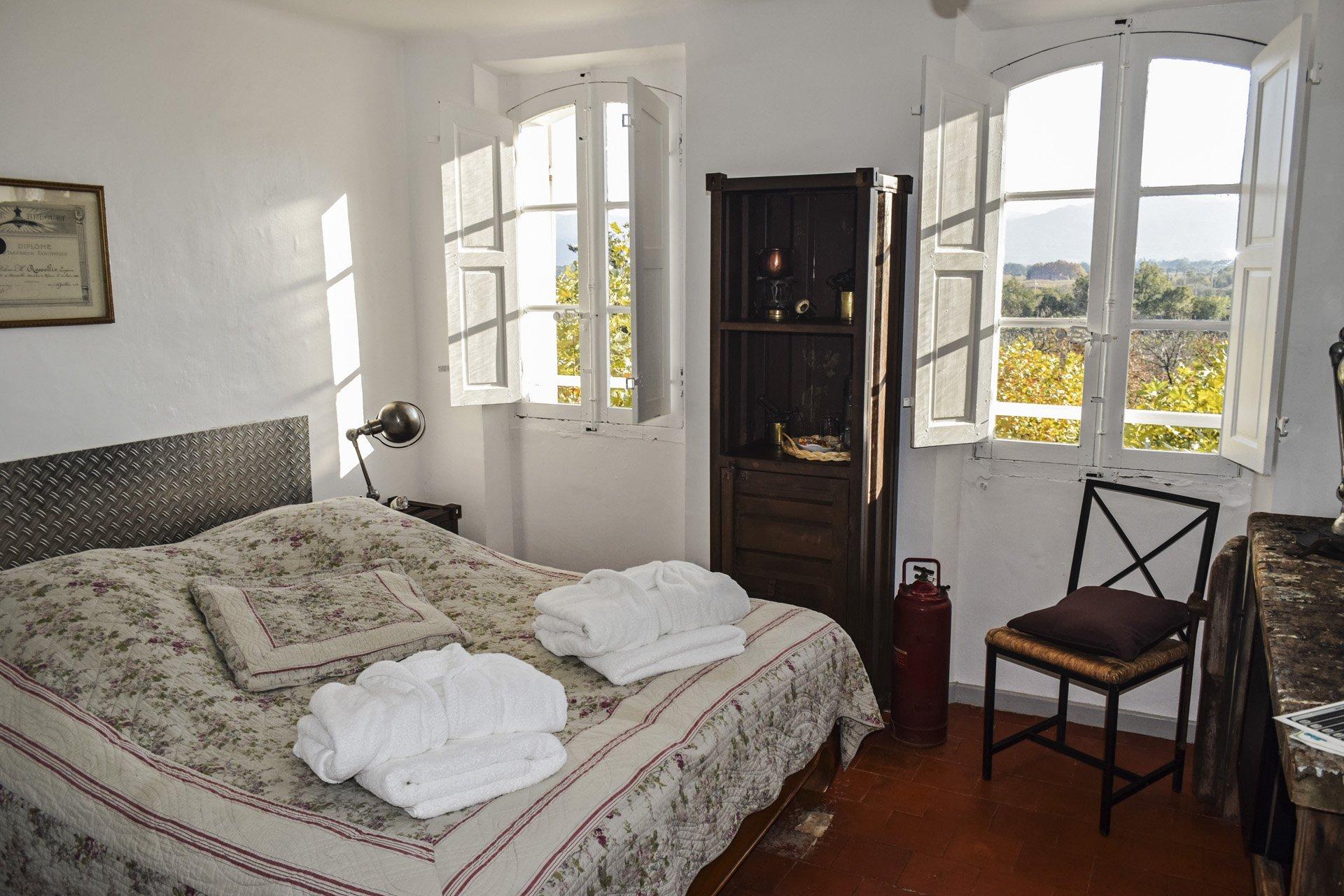 chambre 1 Bastide 18 ième siècle 750 m², sur 2 ha chambres d'hôtes, le luc, var, provence