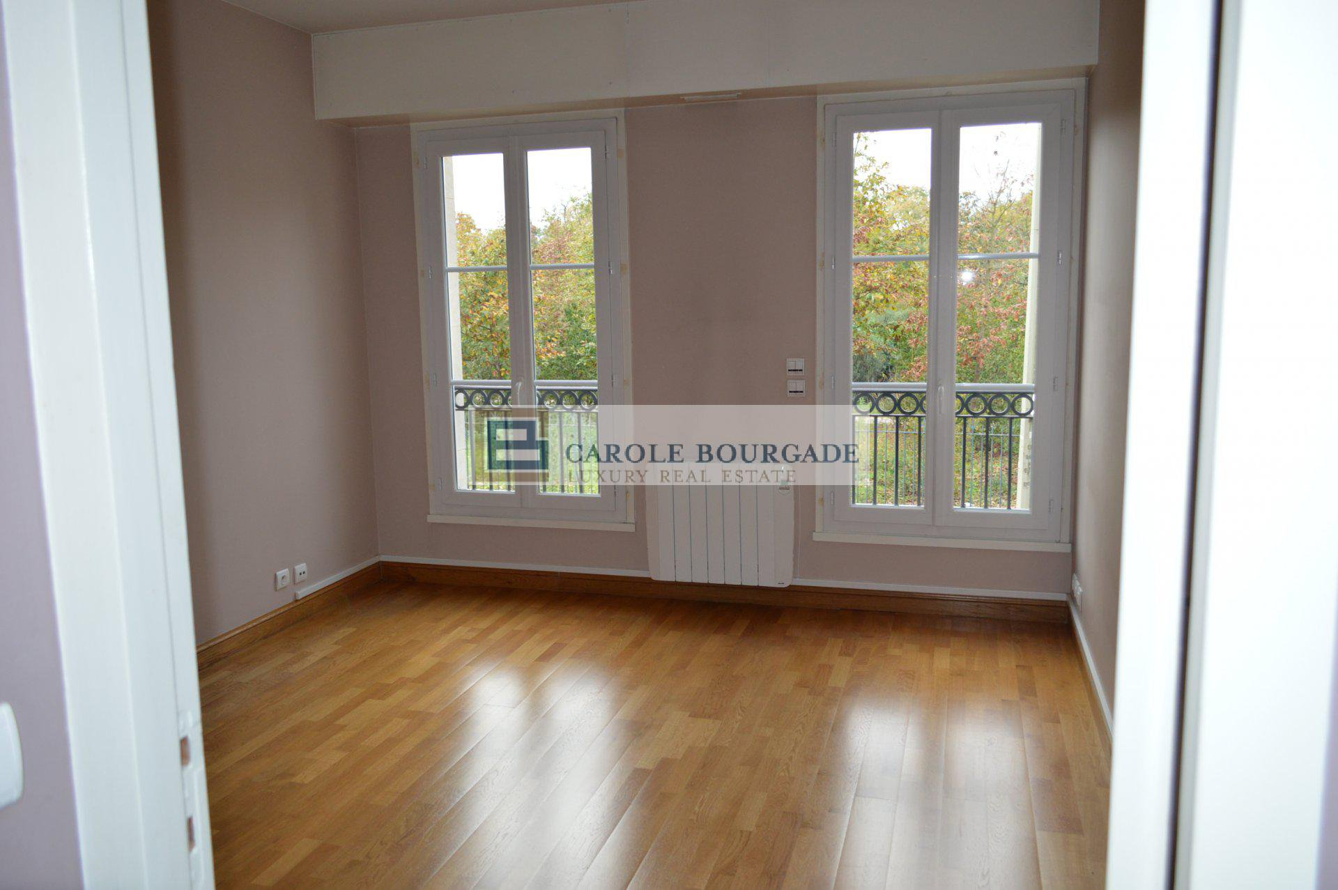 "NOT AVAILABLE APARTMENT T5 BORDEAUX BORDEAUX ""PARC BORDELAIS"""