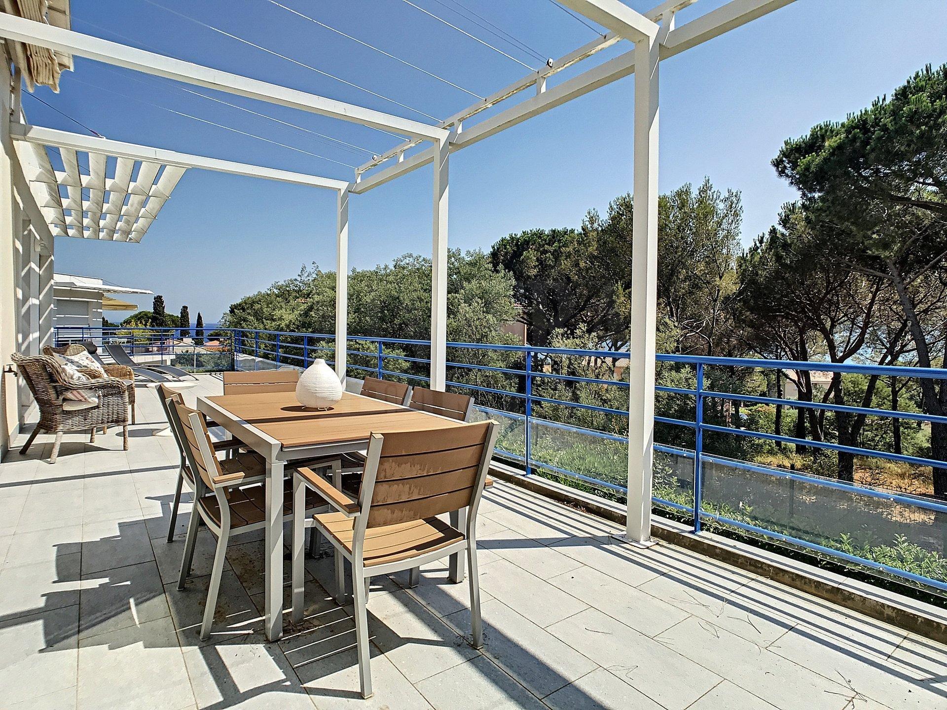 Appartement spacieux avec piscine, proche mer et centre-ville de Sainte-Maxime
