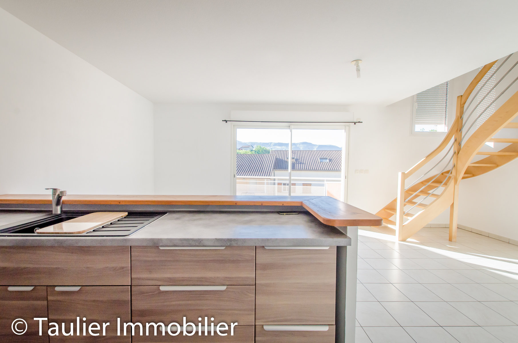 T4, 77m², ascenseur, garage, terrasses