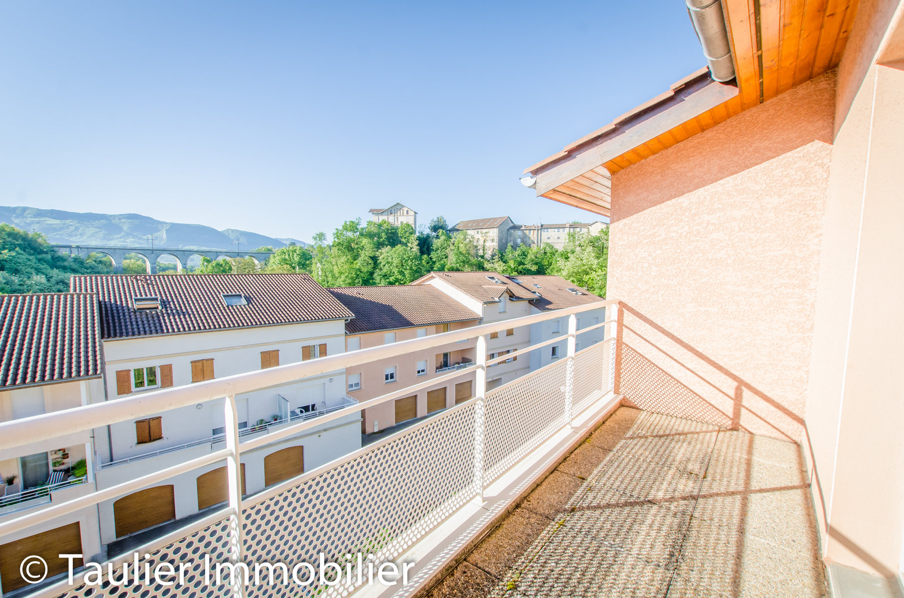 T4, 77m², ascenseur, garage, terrasses