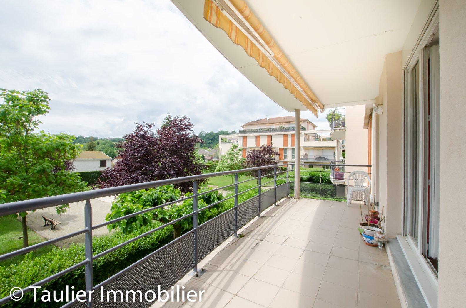 Magnifique T3 avec terrasse et garage