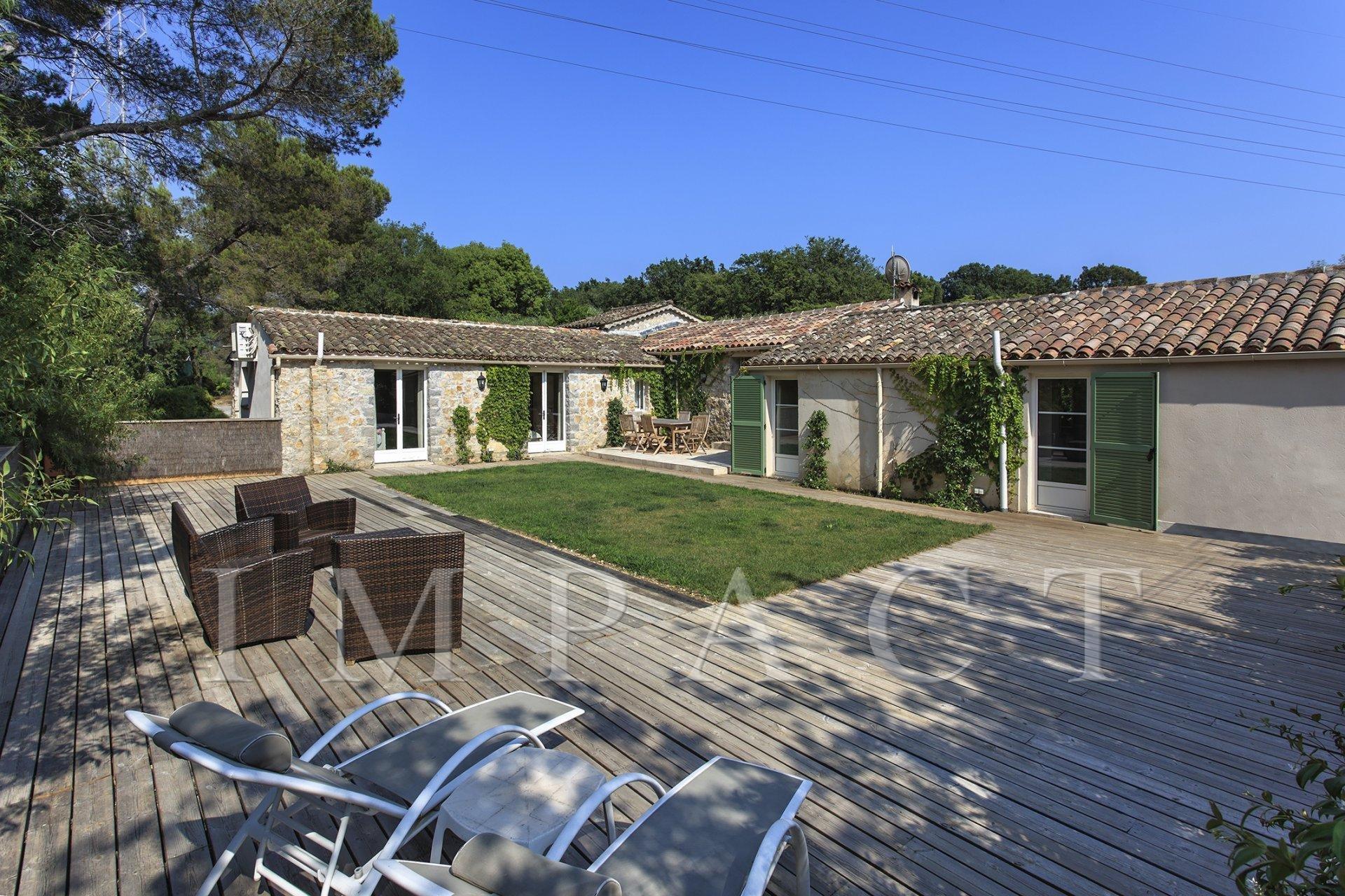 Villa Provençale à louer Mougins