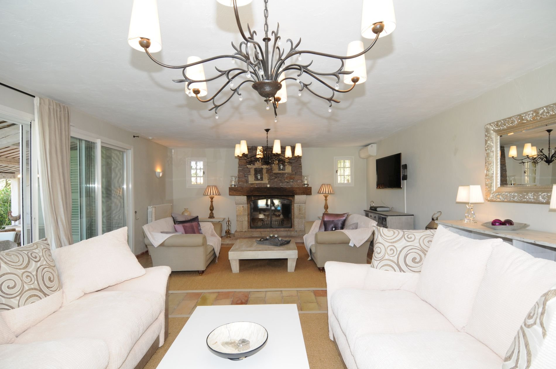 7 Bed Villa with Stunning Views near Valbonne