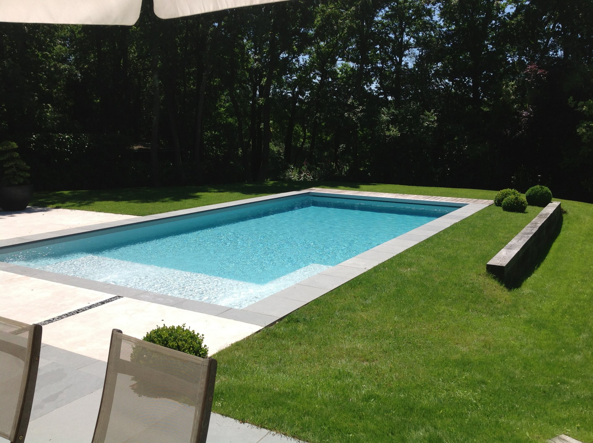 Proche sautron vaste contemporaine for Piscine coueron