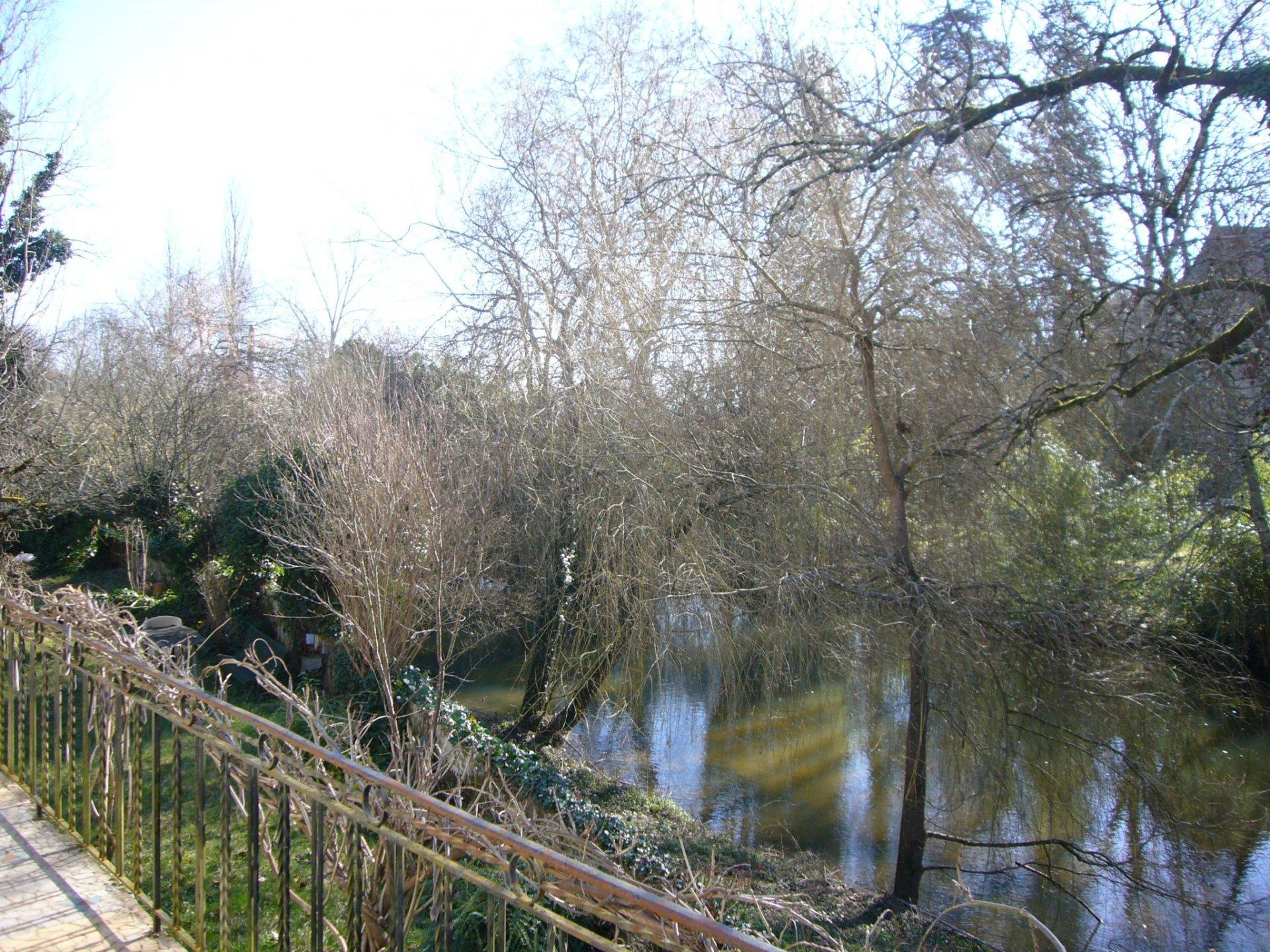 Maison bord de rivière