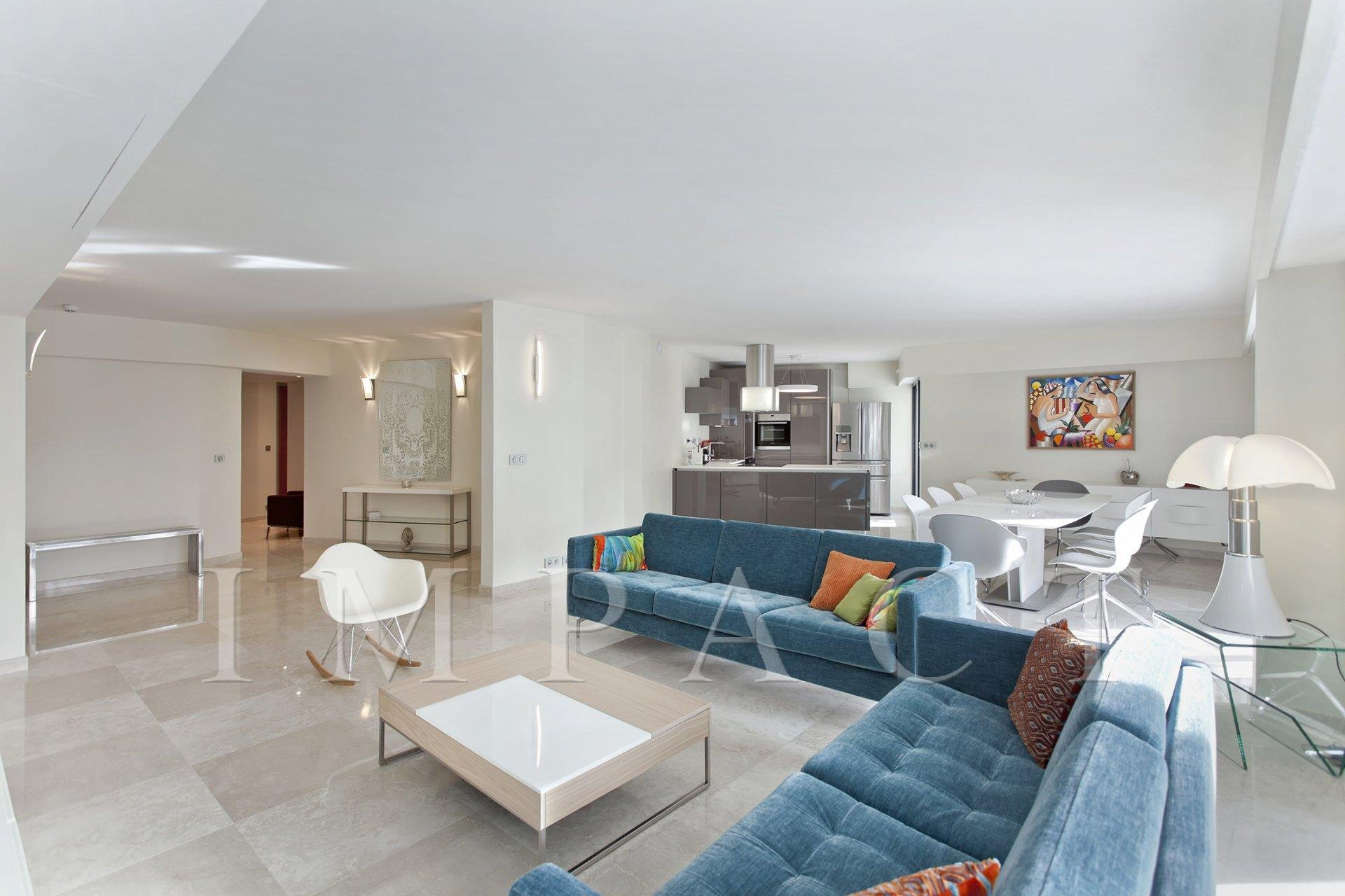 4 bedrooms apartment in the center of Cannes to rent