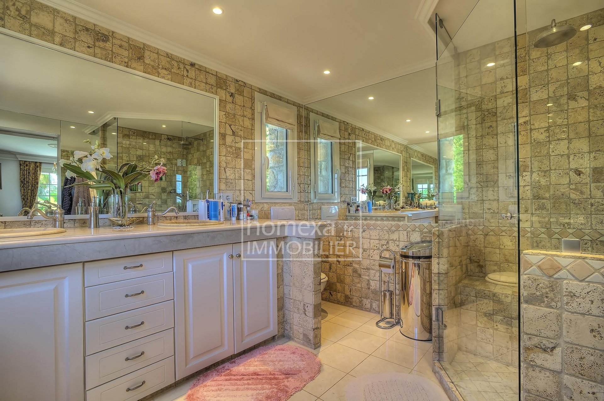 House for sale in Biot - Luxurious private domain