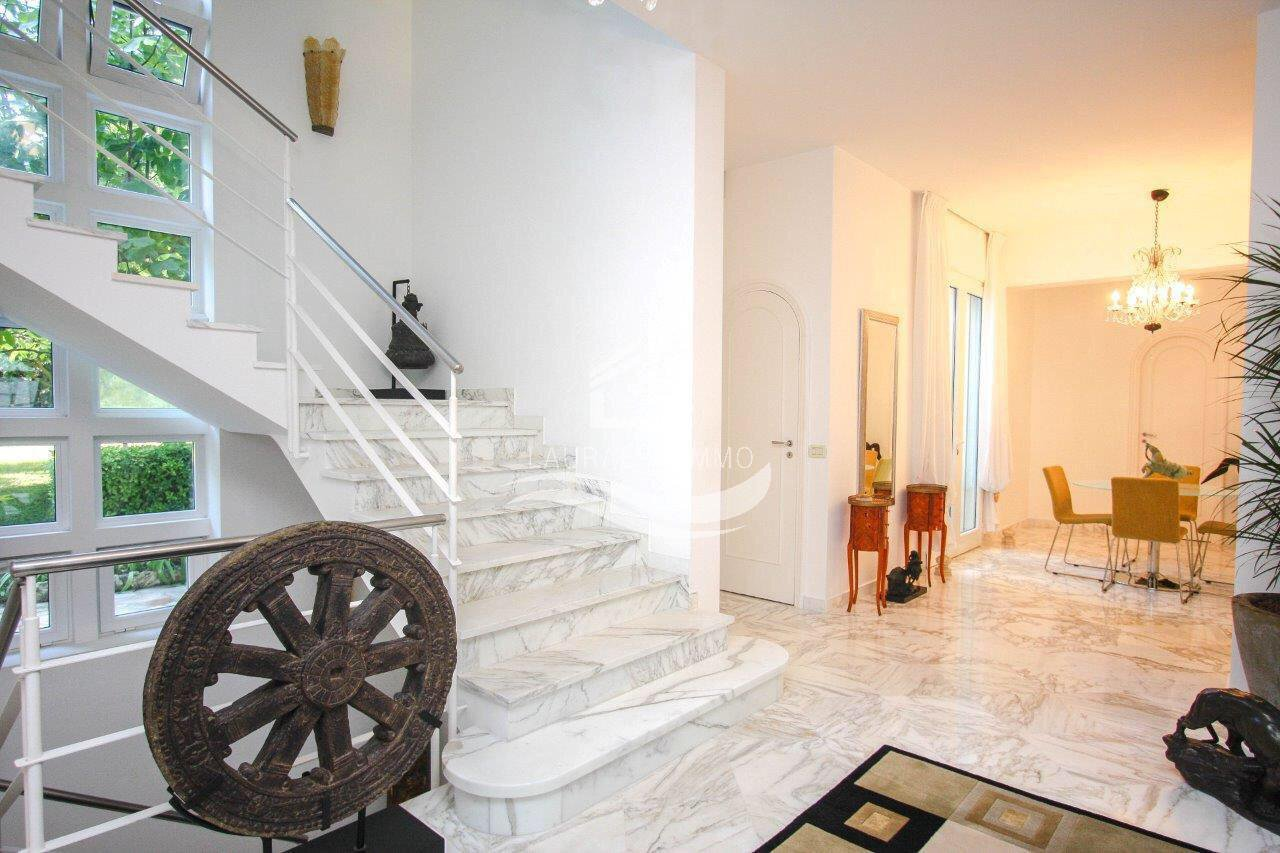 Villa En location à Roquebrune-Cap-Martin