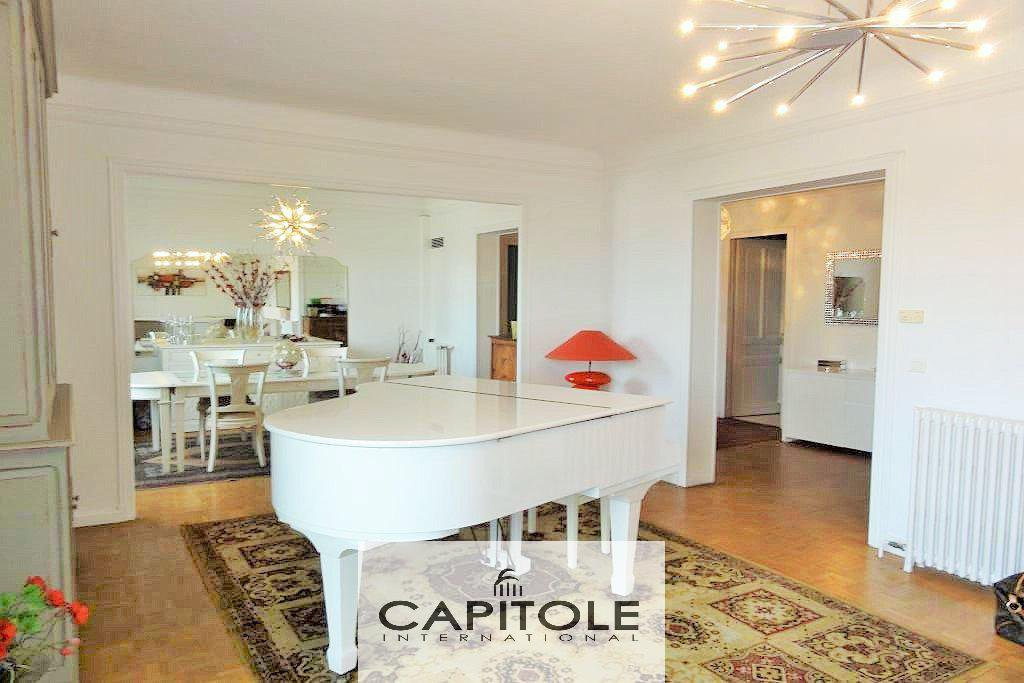 Cannes apartment 160sqm 3 bedrooms garage Croisette beach sea