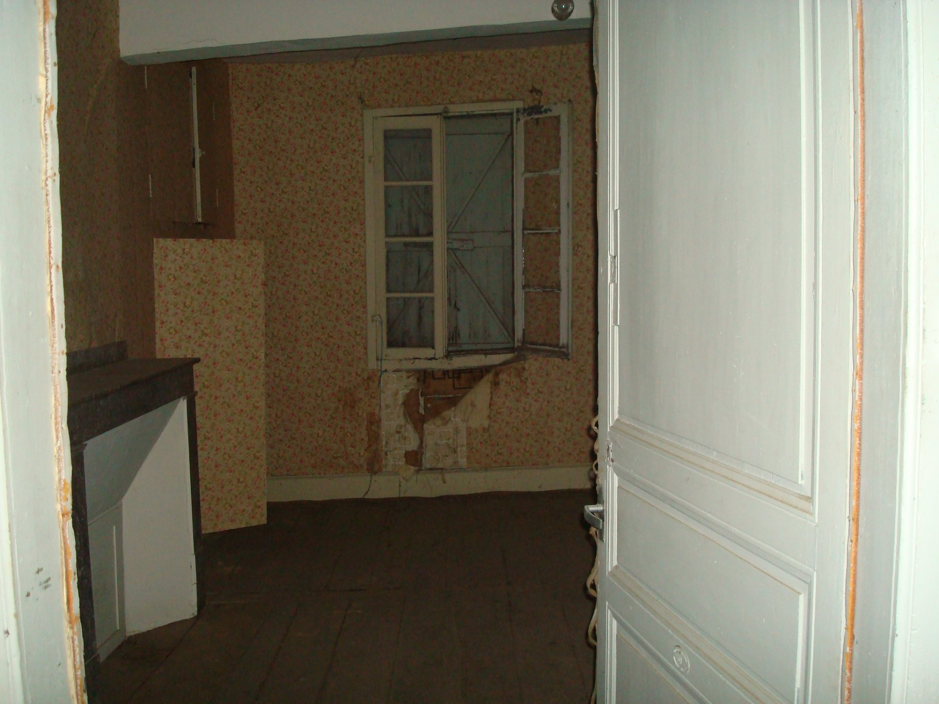 Town house of 180 sqm to renovate in Boulogne sur Gesse