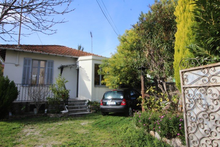 Sale House - Cannes Broussailles