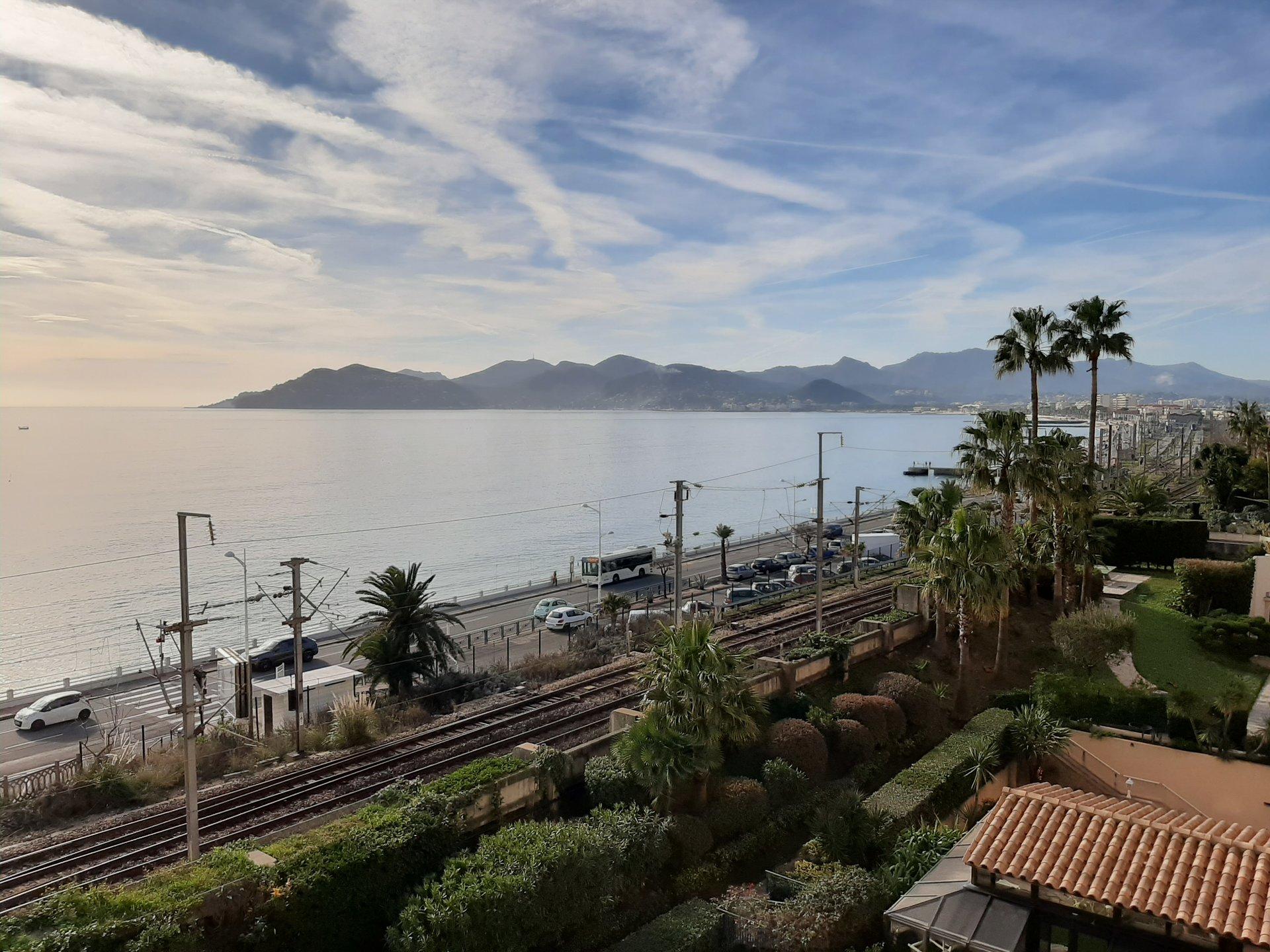 Cannes Ouest Plages 2/3 pièces 72m² vue mer