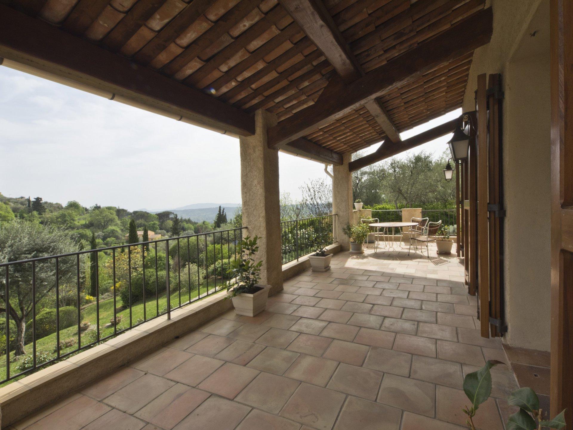 Pays de Fayence propriété sur 1,1ha à 800m du village avec vue panoramique