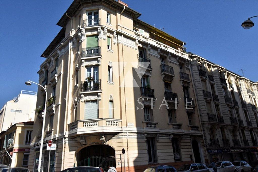 Квартира на сезонную аренду в центре Ниццы