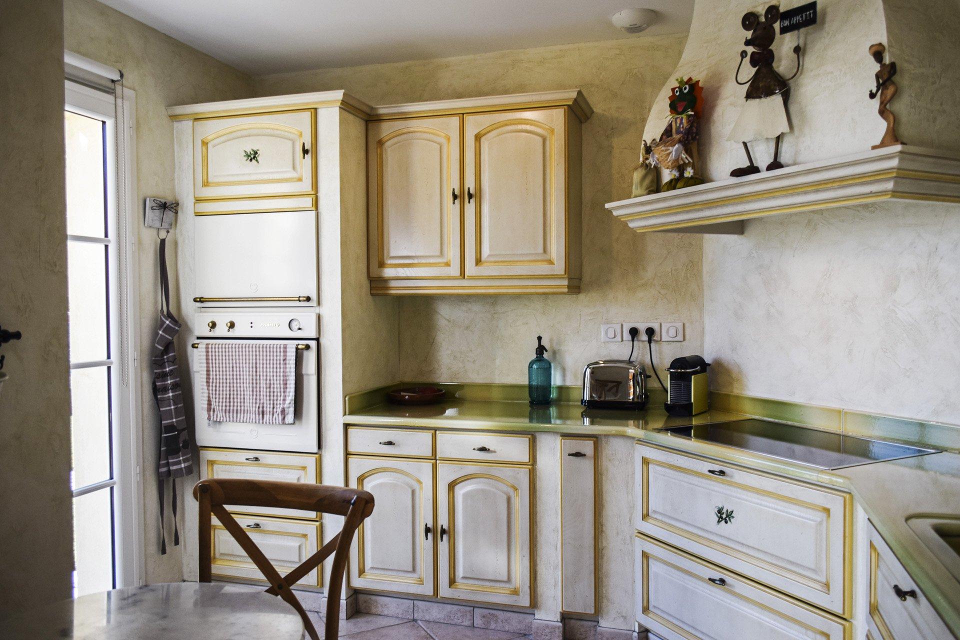 Jolie maison de qualité avec piscine chauffée Var Provence superbe cuisine