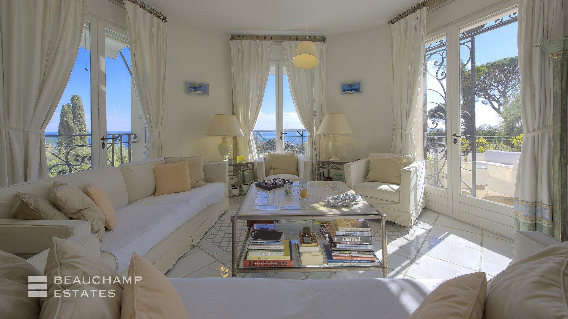 Charming 6 Bedroom Villa with a Sea View in Cannes