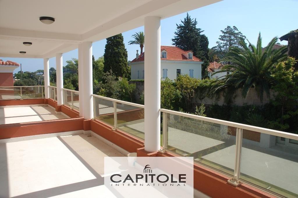 Cap D'Antibes newly built semi detached villa of 150 m² communal pool