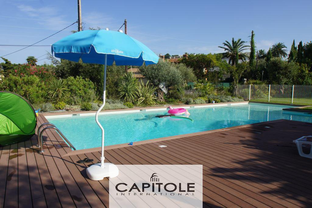 For sale, Cap D'Antibes newly built semi detached villa of 150 m² communal pool