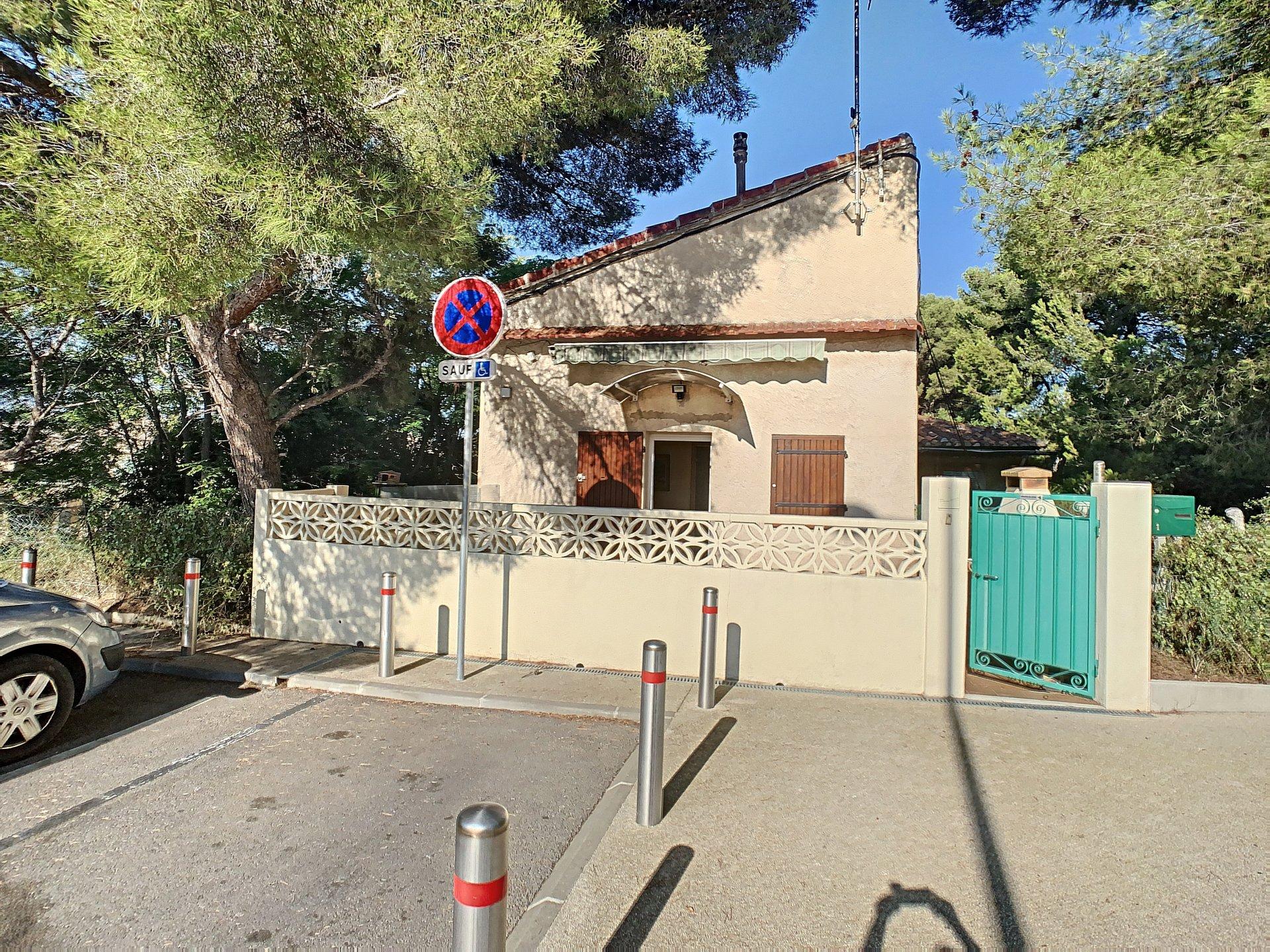 LOCATION MAISON DE VILLAGE AVEC TERRASSE