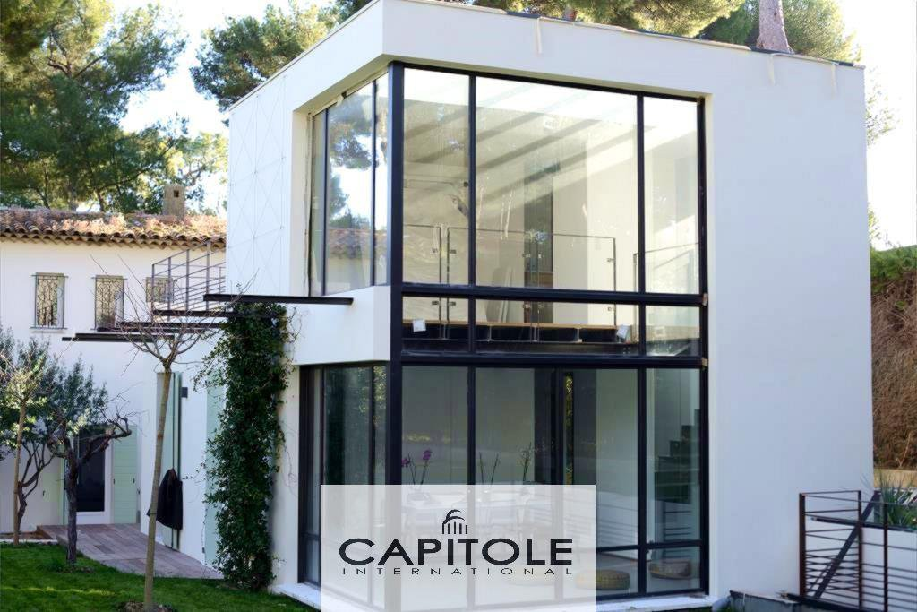 For sale, Cap d'Antibes, 5 bedroom architect villa, pool, land 1800m²