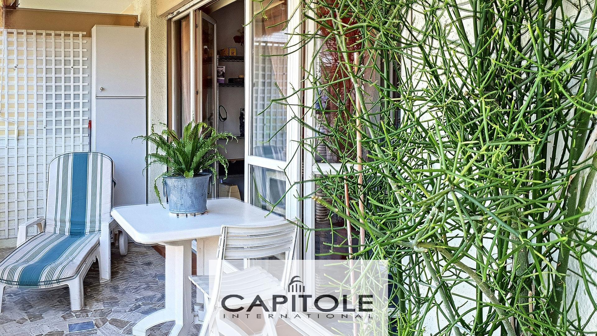 A vendre, Juan-Les-Pins, appartement 2 pièces, dernier étage, terrasse, garage, cave