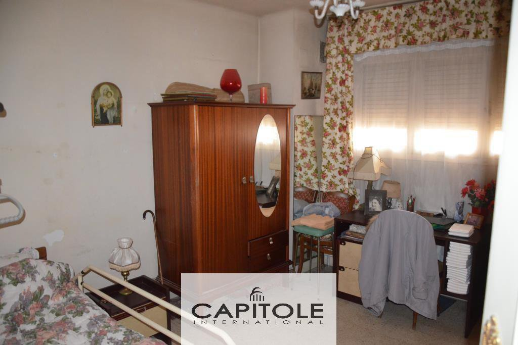 Seafront 1/2 bed flat