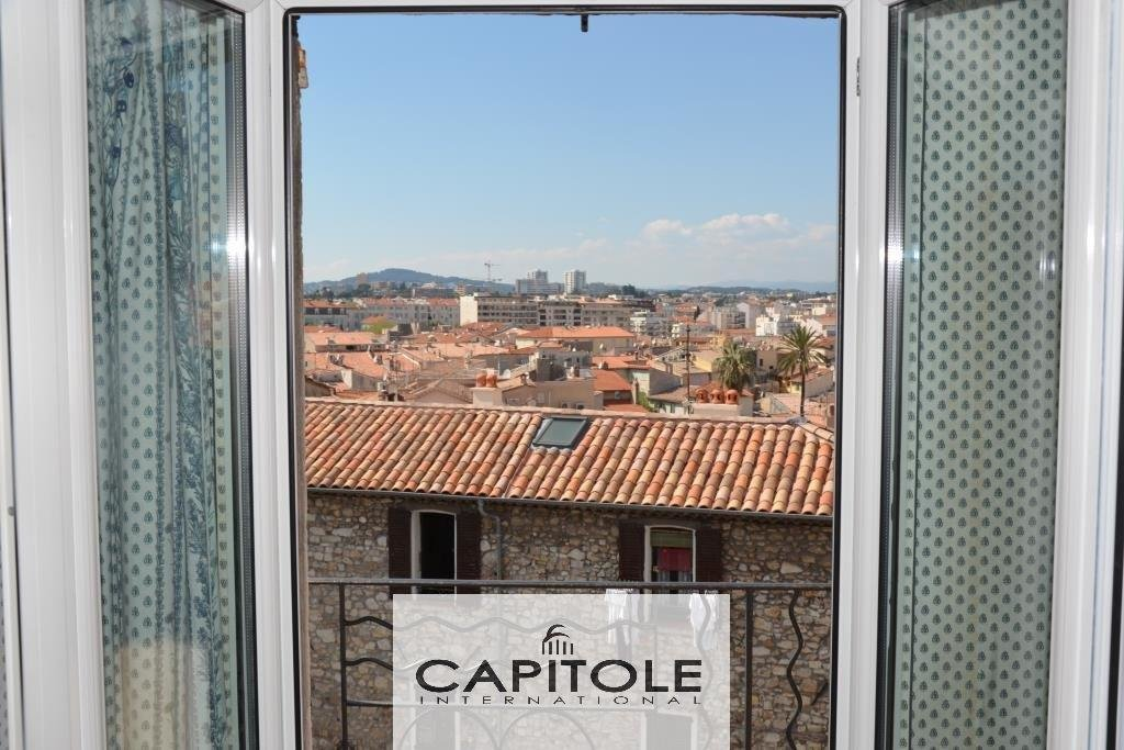 For sale, Antibes downtown, 2nd floor 2 roomed loft glimpse of sea