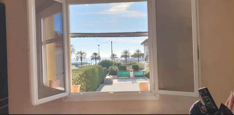 VUE MER- APPARTEMENT 3 PIECES A GOLFE JUAN