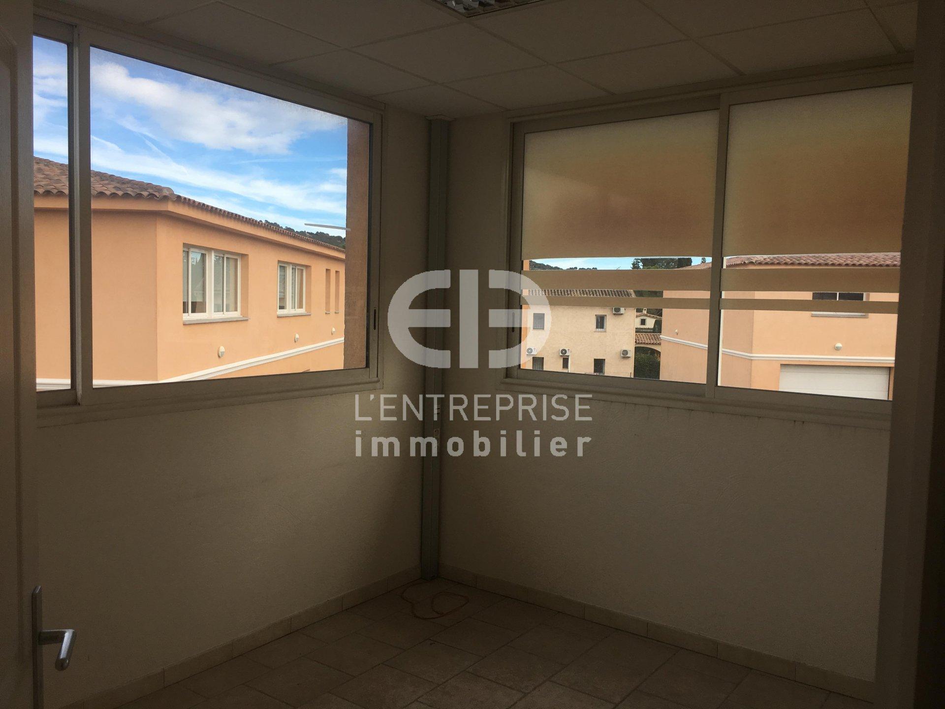 A LOUER, BUREAUX 120 m², SECTEUR MOUANS SARTOUX