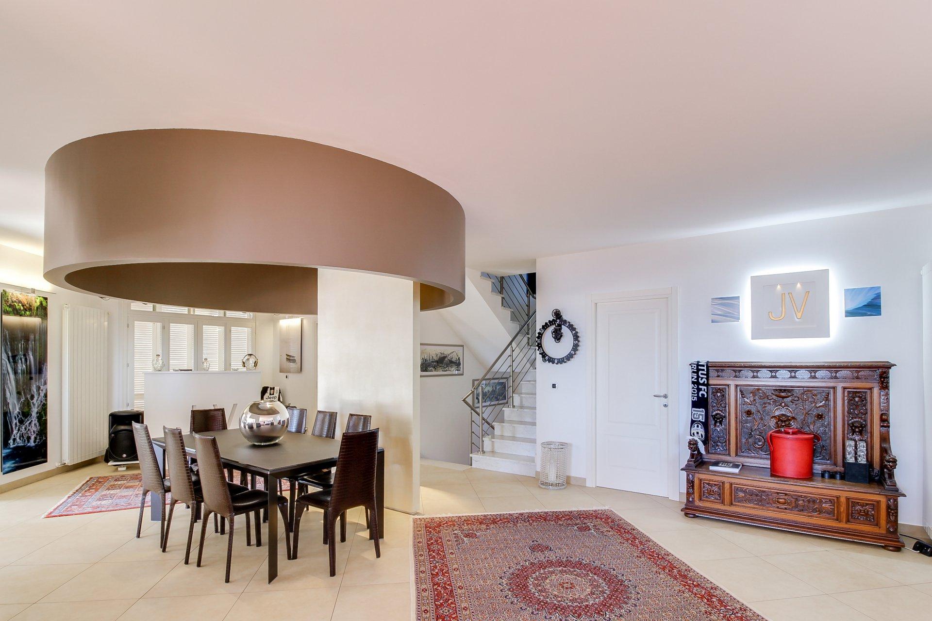 La Turbie, villa moderne, 5 chambres, vue mer, piscine