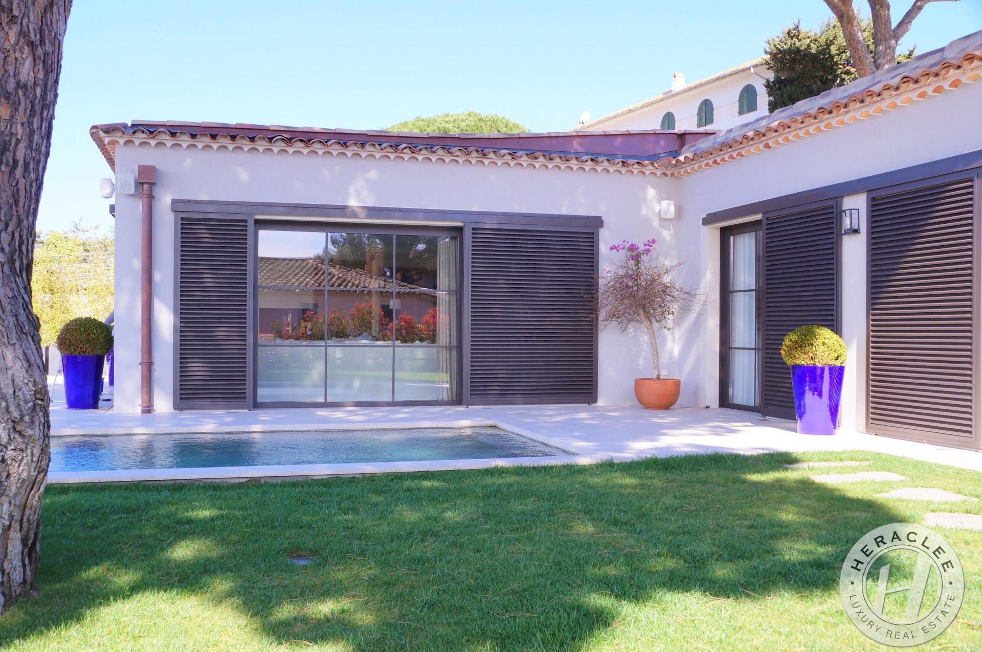 Très belle maison moderne en plein Centre Ville de Saint-Tropez avec