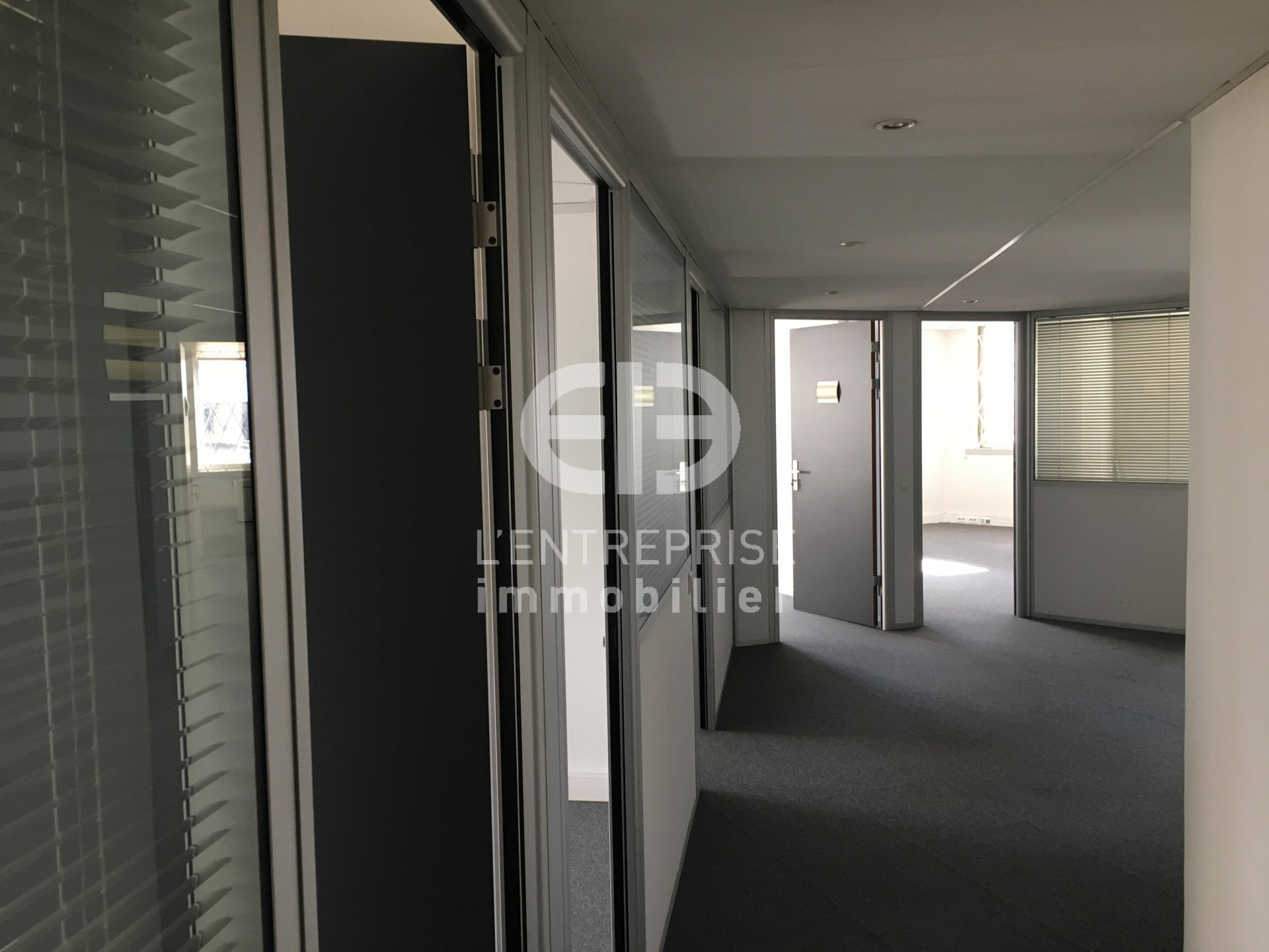 A LOUER, BUREAUX 132 m², SECTEUR NICE OUEST