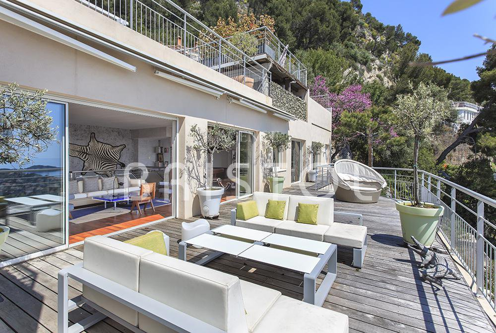 Villefranche sur Mer -  comtemporary villa style  with superb  sea view