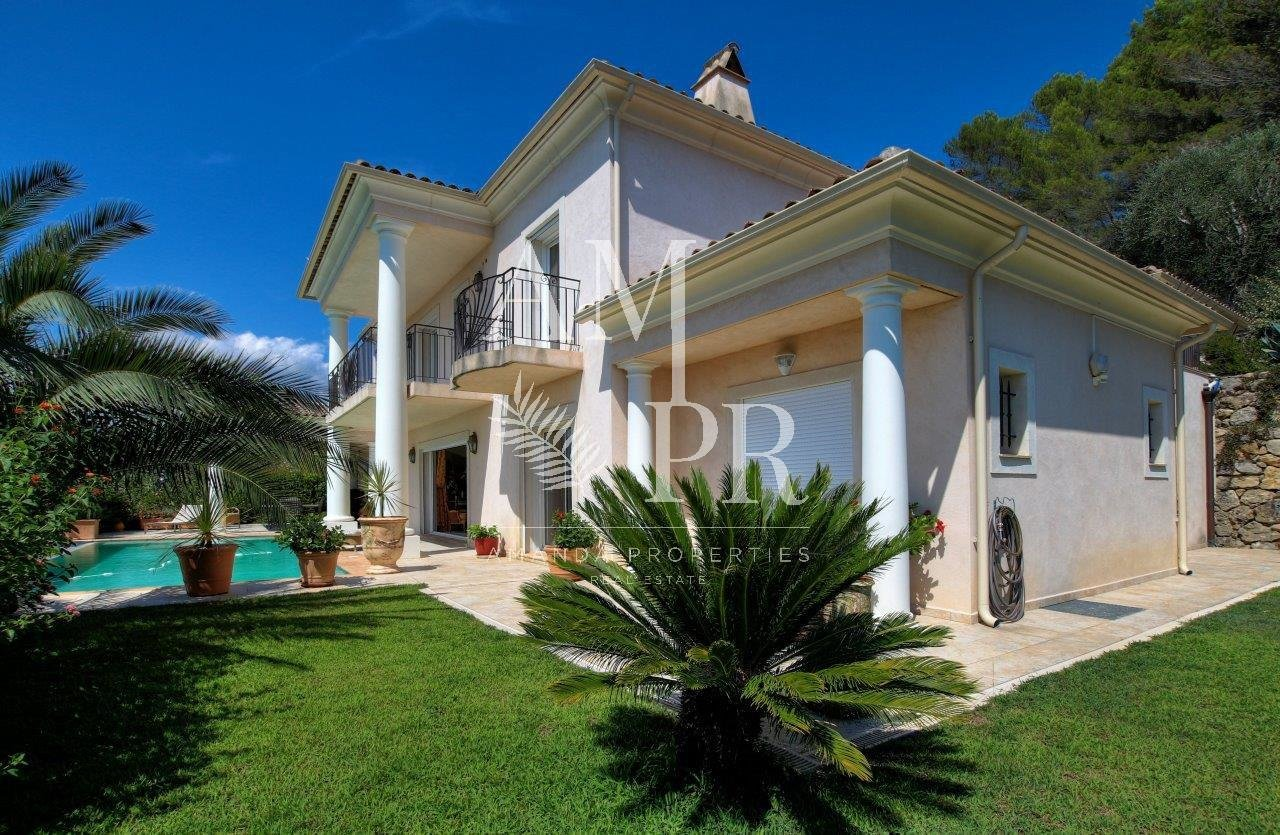 Exclusivity Beautiful villa 230 sqm with infinite pool and panoramic views