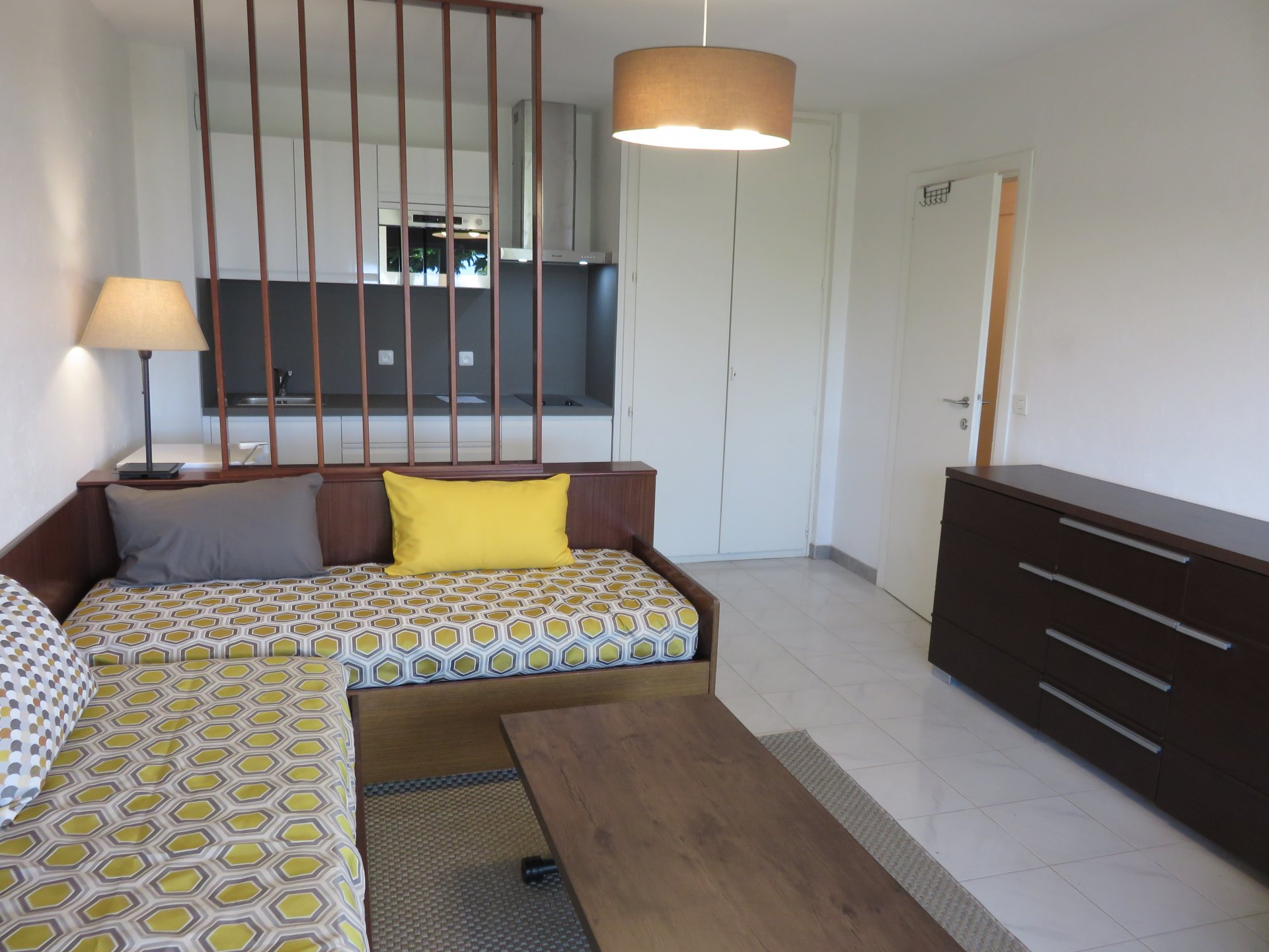 Renovated 2 room apartment with garden