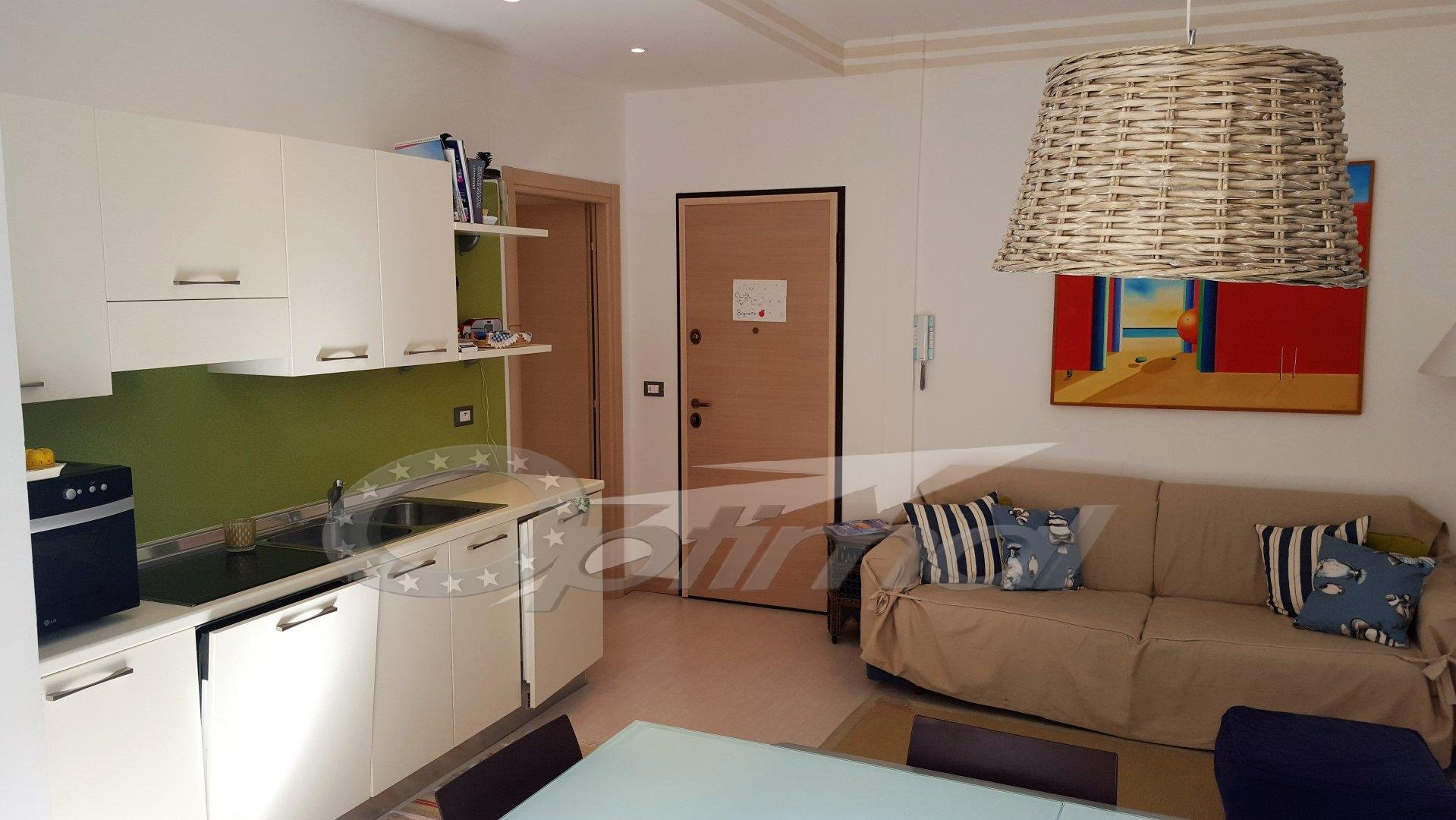 2 Rooms - Center town - Near sea
