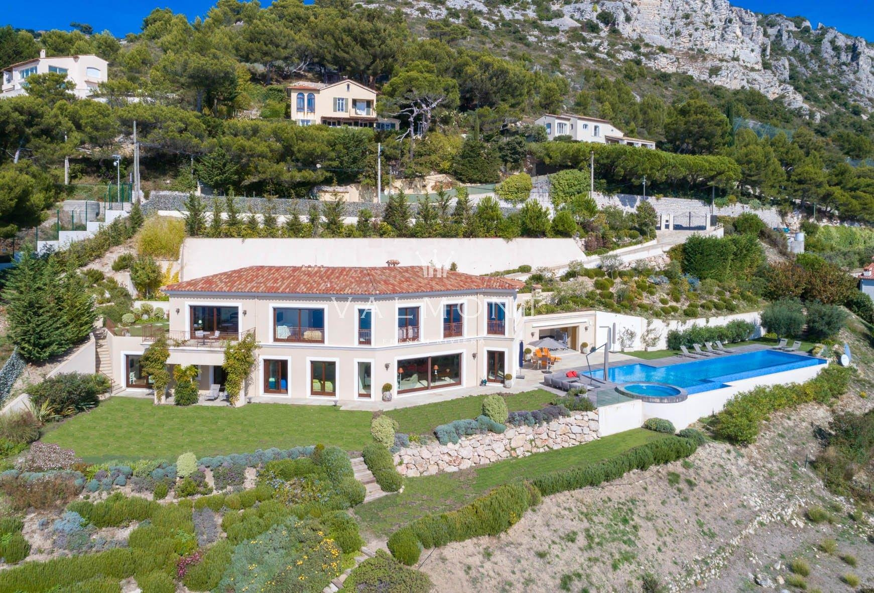 LARGE NEWLY BUILT VILLA ON THE HEIGHTS OF EZE