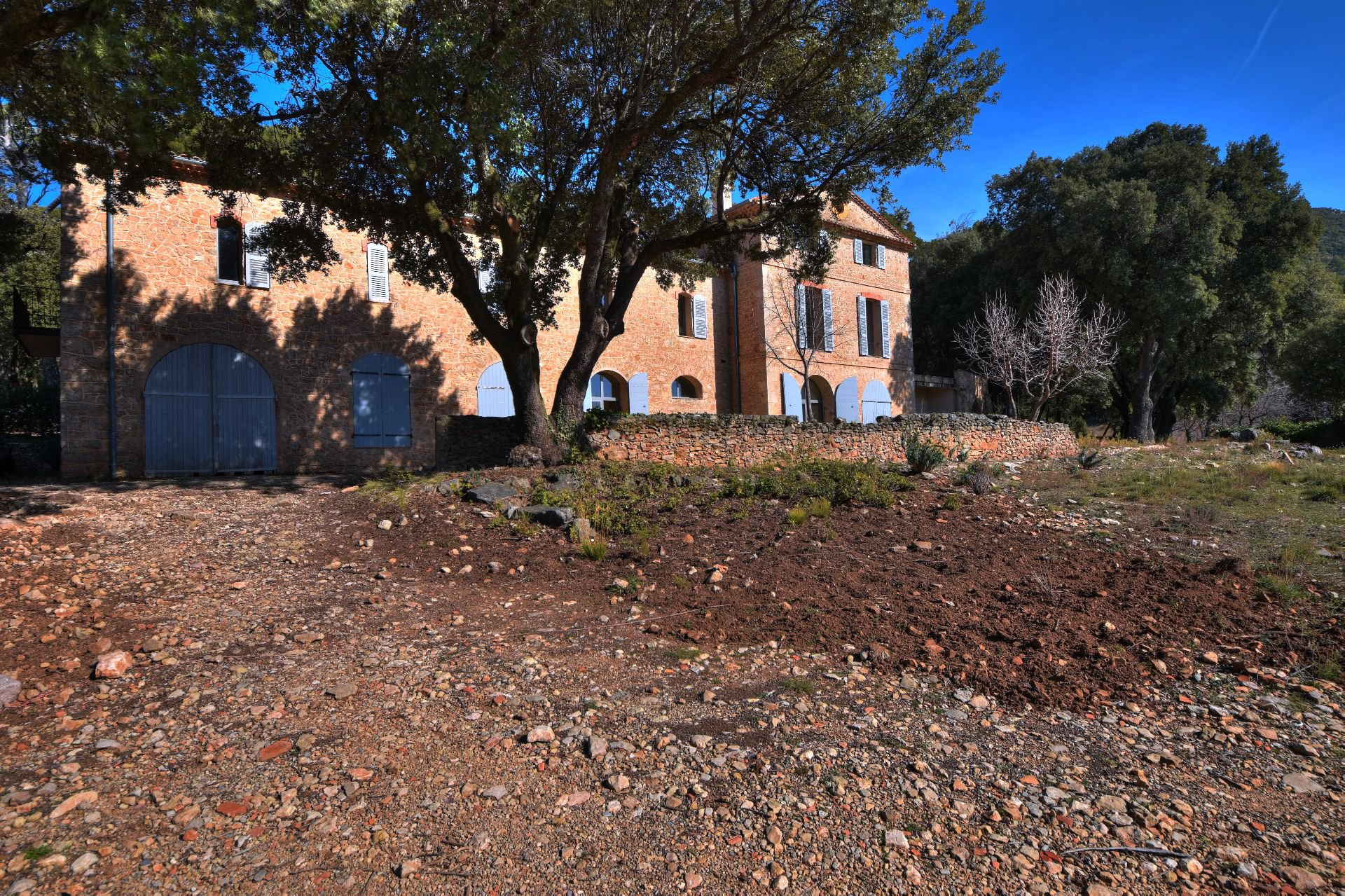 Exceptional property on 28 ha Aups, Var, Provence