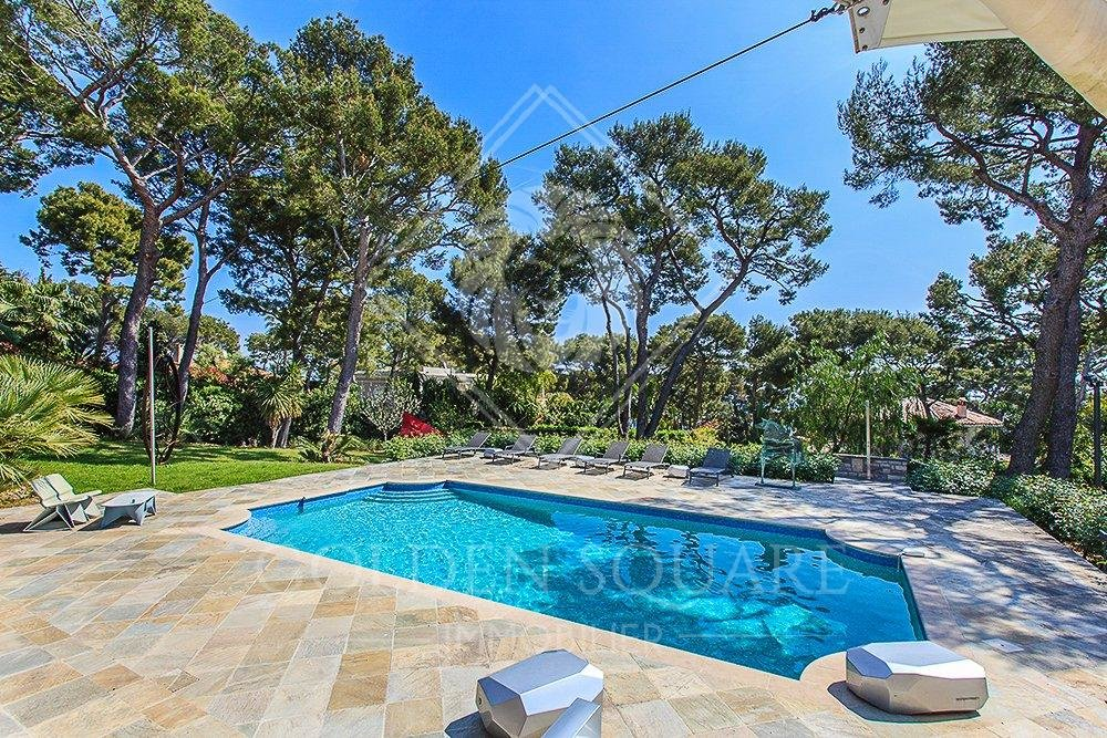 CAP FERRAT - 7 PIECES - LUXUEUSE VILLA MODERNE