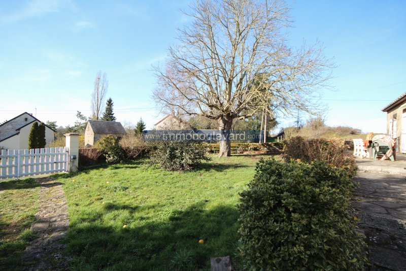 House with lots of land for sale in the bazois in Burgundy