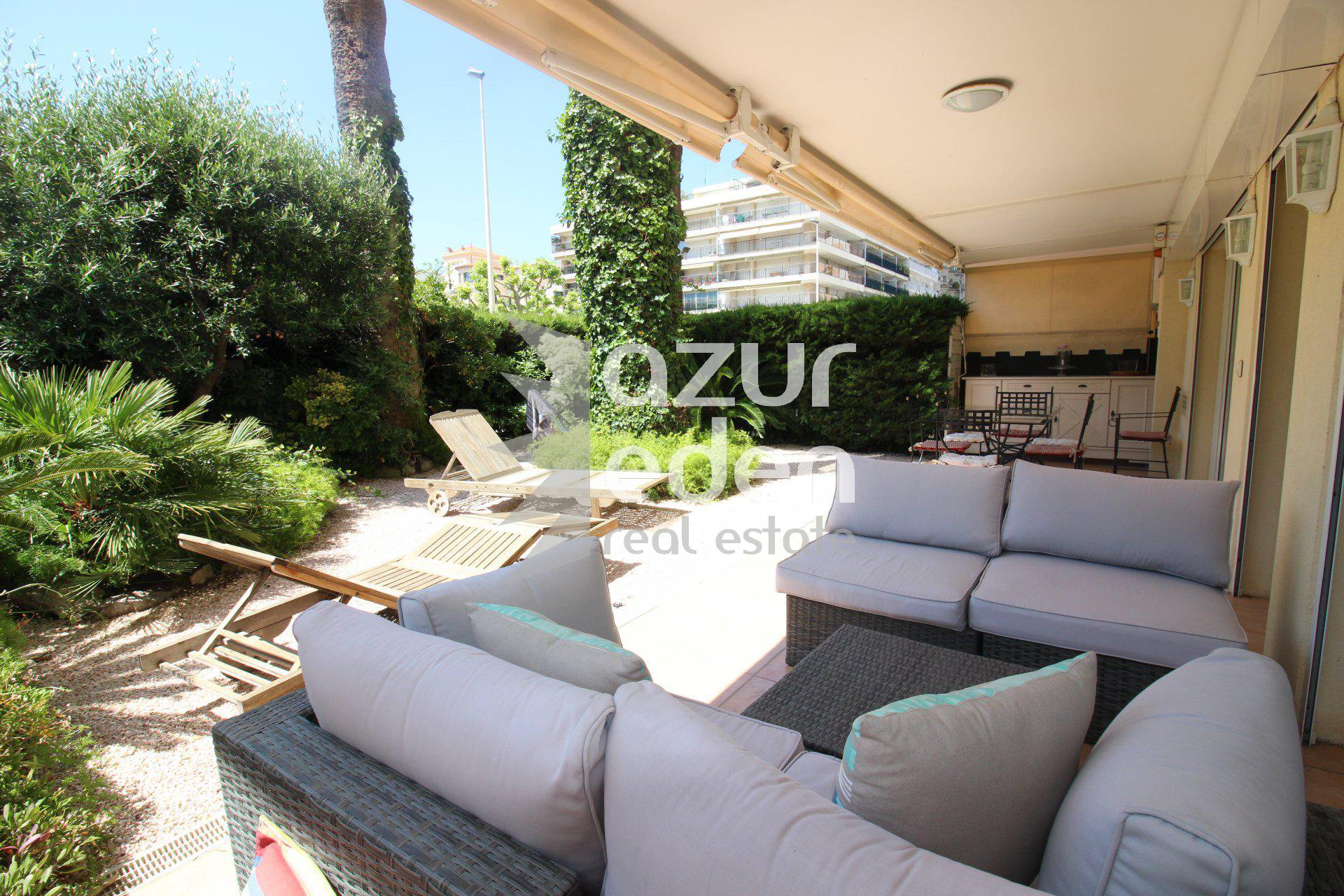 Cannes- Palm Beach- 3P rez jardin Place de l'Etang